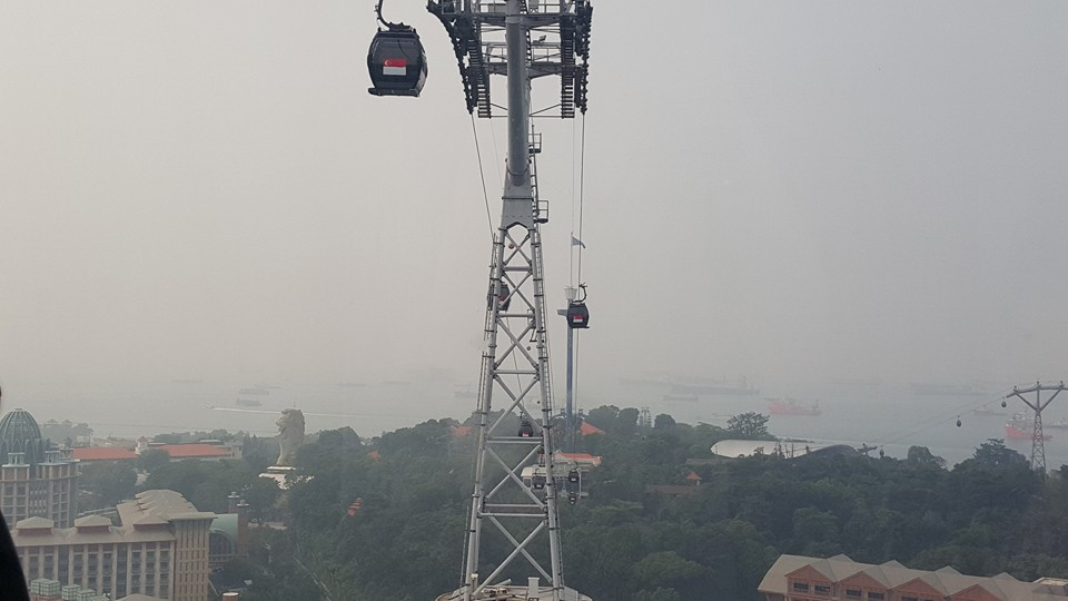 Cable Car to Sentosa-It was very hazy the day we went